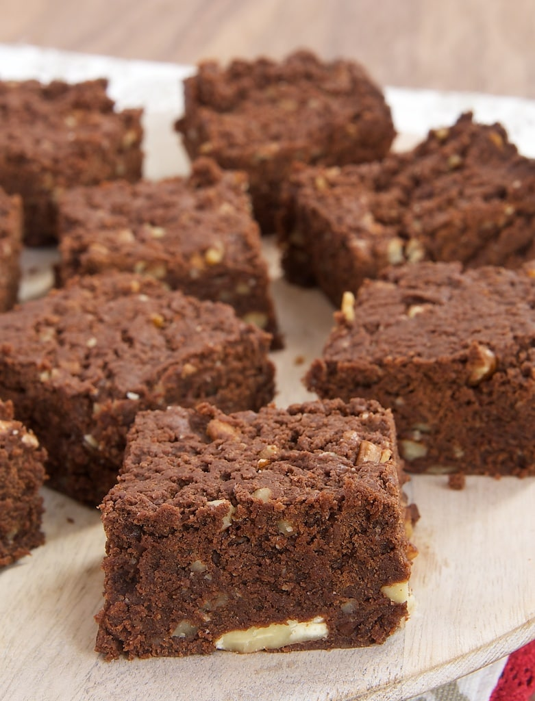 These rich, delicious Chewy Graham Brownies are so simple to make with only 5 ingredients!