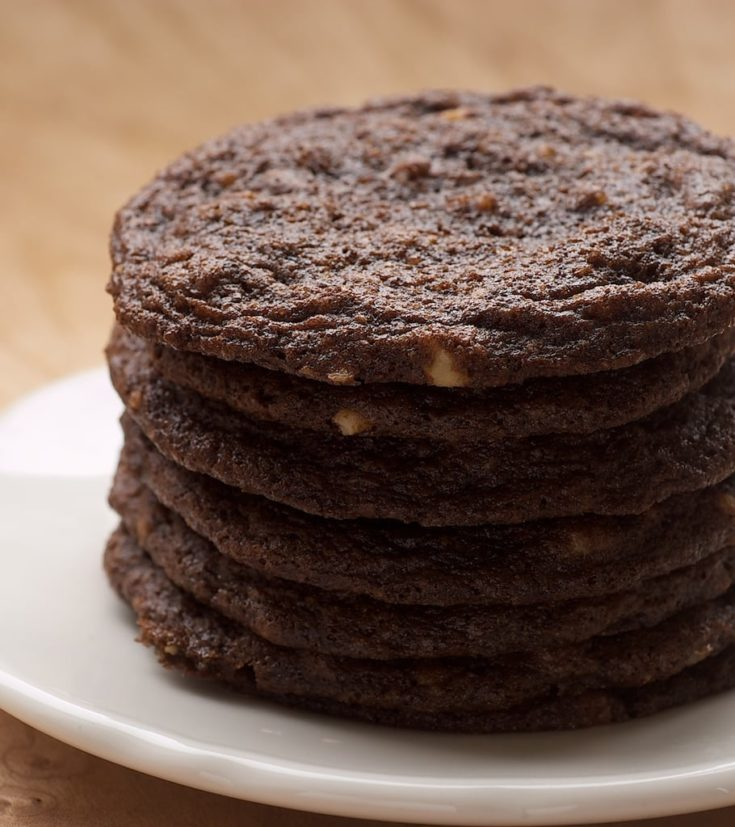 Chewy Chocolate Cookies are simple cookies that pack a big flavor punch! - Bake or Break