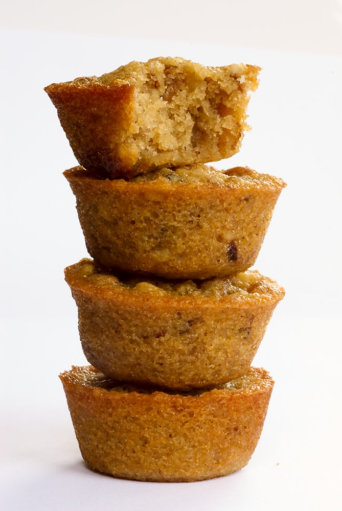 You only need 5 ingredients to make these simple, delicious Pecan Pie Cupcakes! - Bake or Break