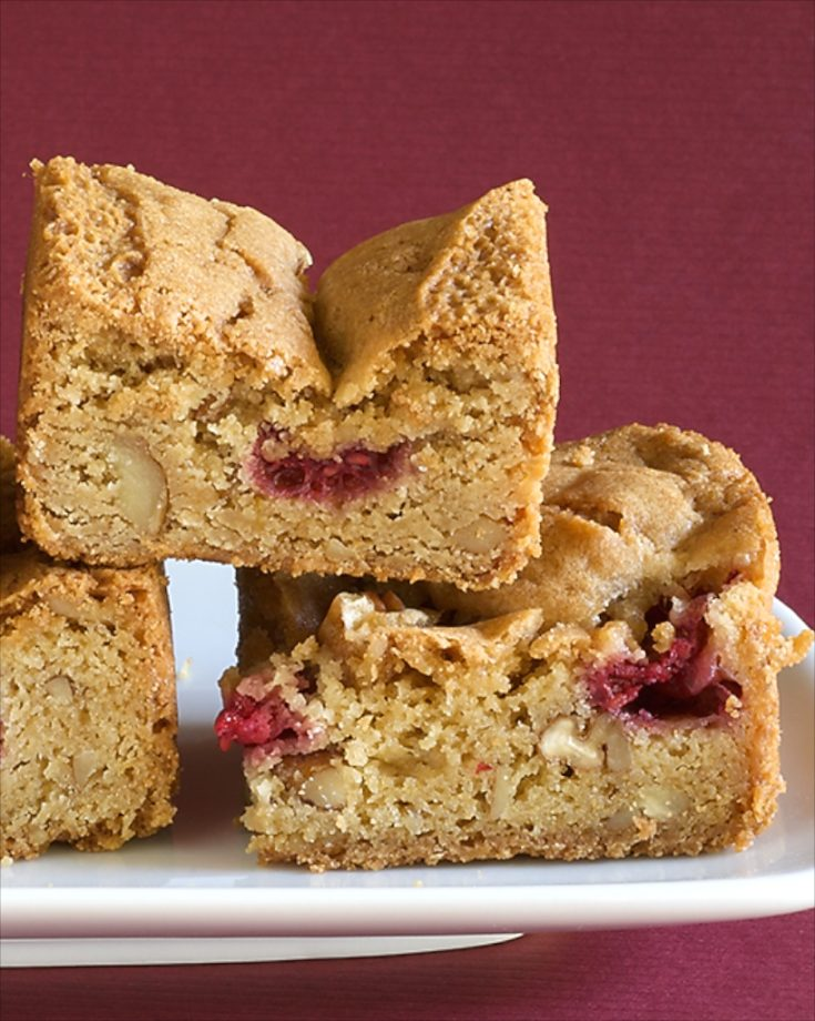 Raspberry Pecan Blondies offer a fresh fruit twist on traditional blondies. Fresh raspberries and pecans make for a deliciously sweet treat! - Bake or Break
