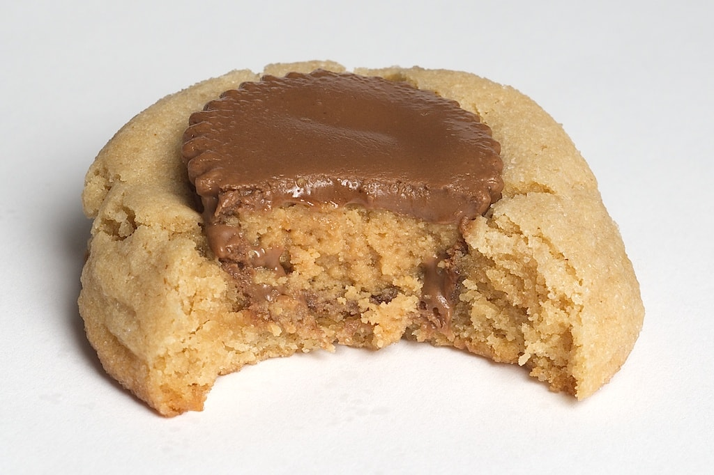Peanut Butter Surprise Cookies are soft peanut butter cookies with a peanut butter cup right in the center! - Bake or Break