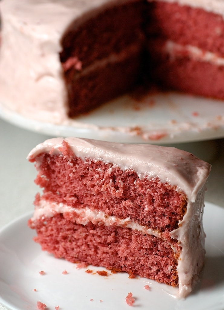 This beautiful Strawberry Cake with Strawberry Cream Cheese Frosting is so amazingly delicious. Such big strawberry flavor!