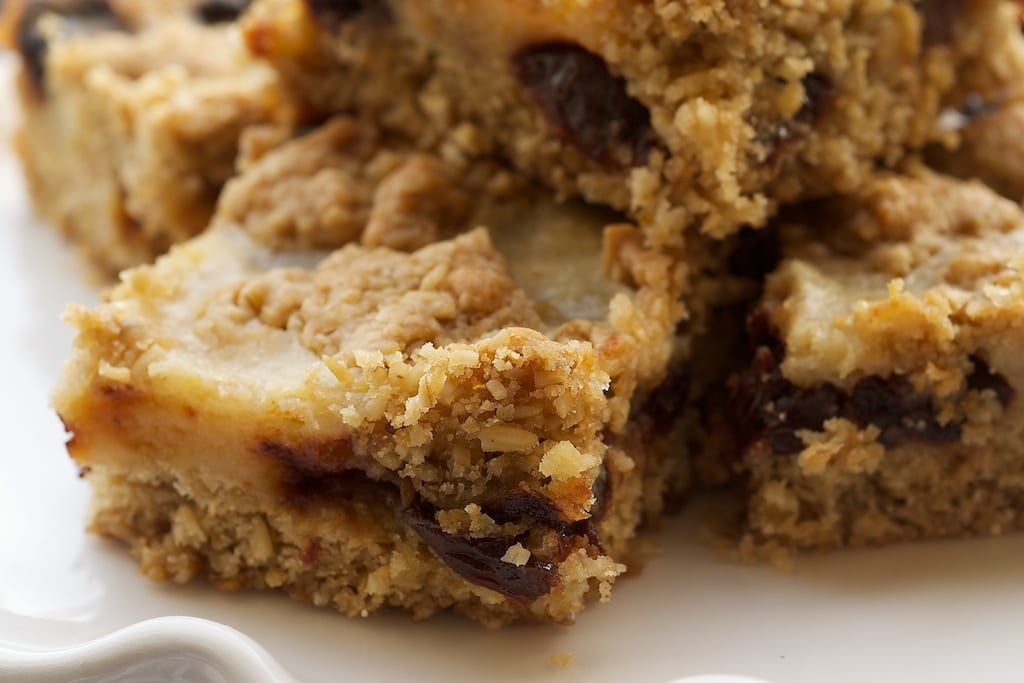 Cherry Oatmeal Bars are a delicious combination of sweet and tart! - Bake or Break