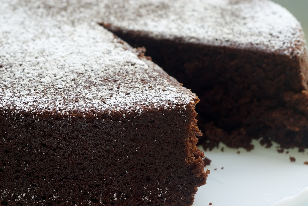 Cocoa Cake is a simple and delicious cake that's big on chocolate flavor! - Bake or Break