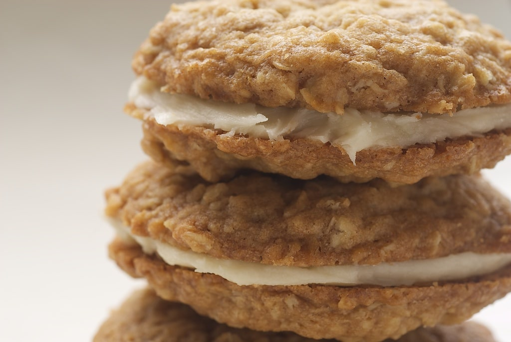 Homemade Oatmeal Cream Pies are even better than store-bought! - Bake or Break