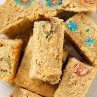 These Peanut Butter Cookie Bars are so simple and yummy. They're versatile, too. Just stir in your favorite add-ins! - Bake or Break
