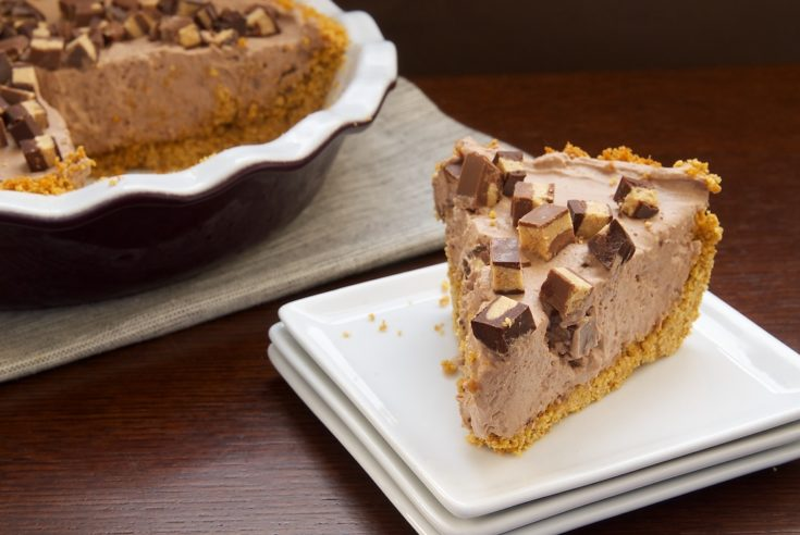 Chocolate-Peanut Butter Cup Icebox Pie