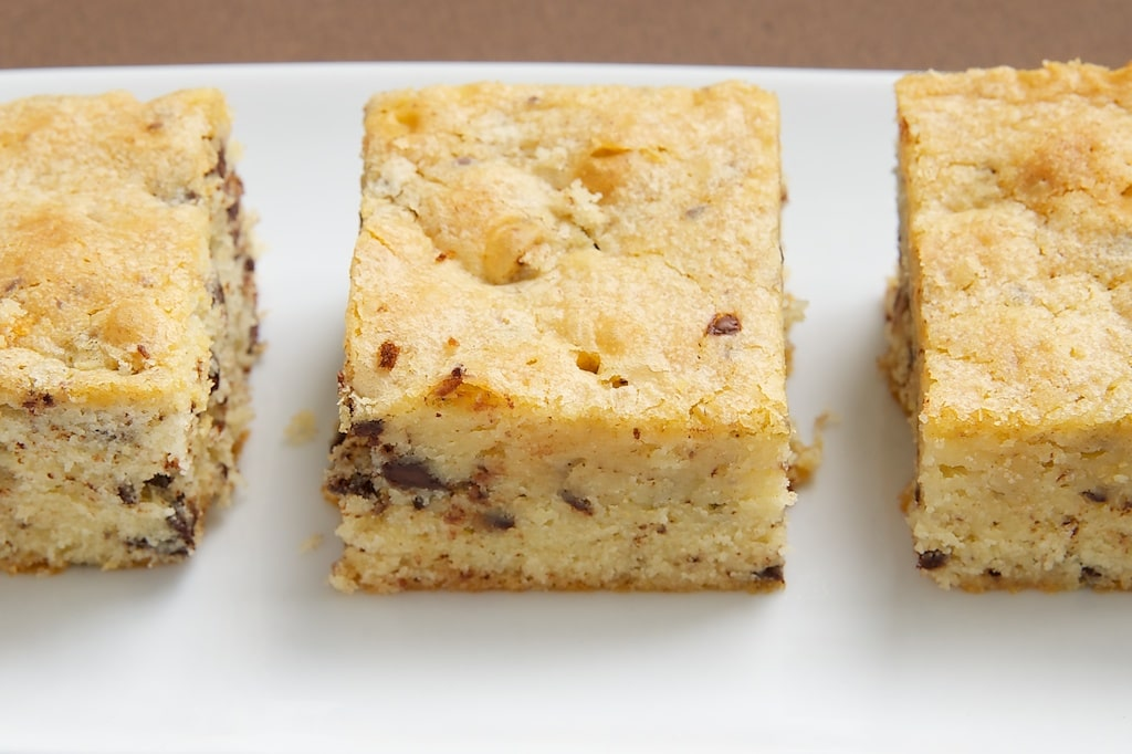 Looking for something different in the brownie world? Try these White Chocolate Brownies! - Bake or Break