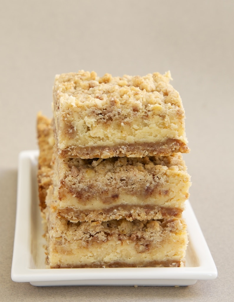 Cinnamon Oatmeal Cream Cheese Bars are deliciously layered bars featuring sweet cream cheese and lots of cinnamon!