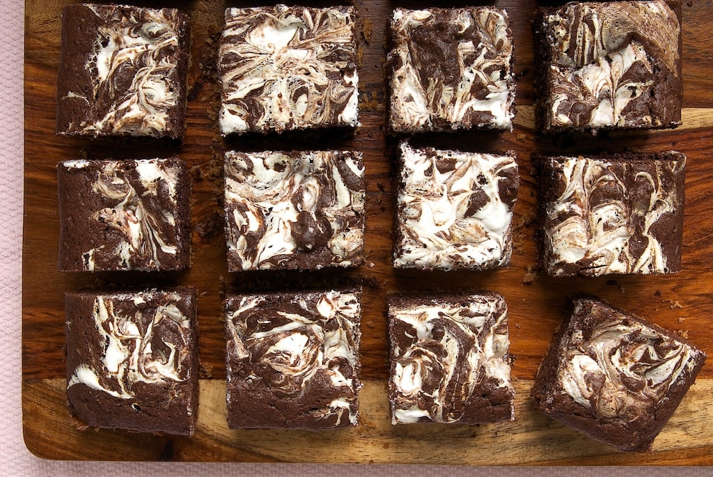 S'mores Swirl Brownies | Bake or Break