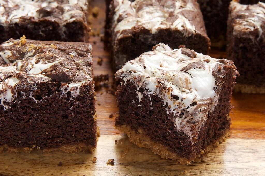 S'mores Swirl Brownies | Bake or Break