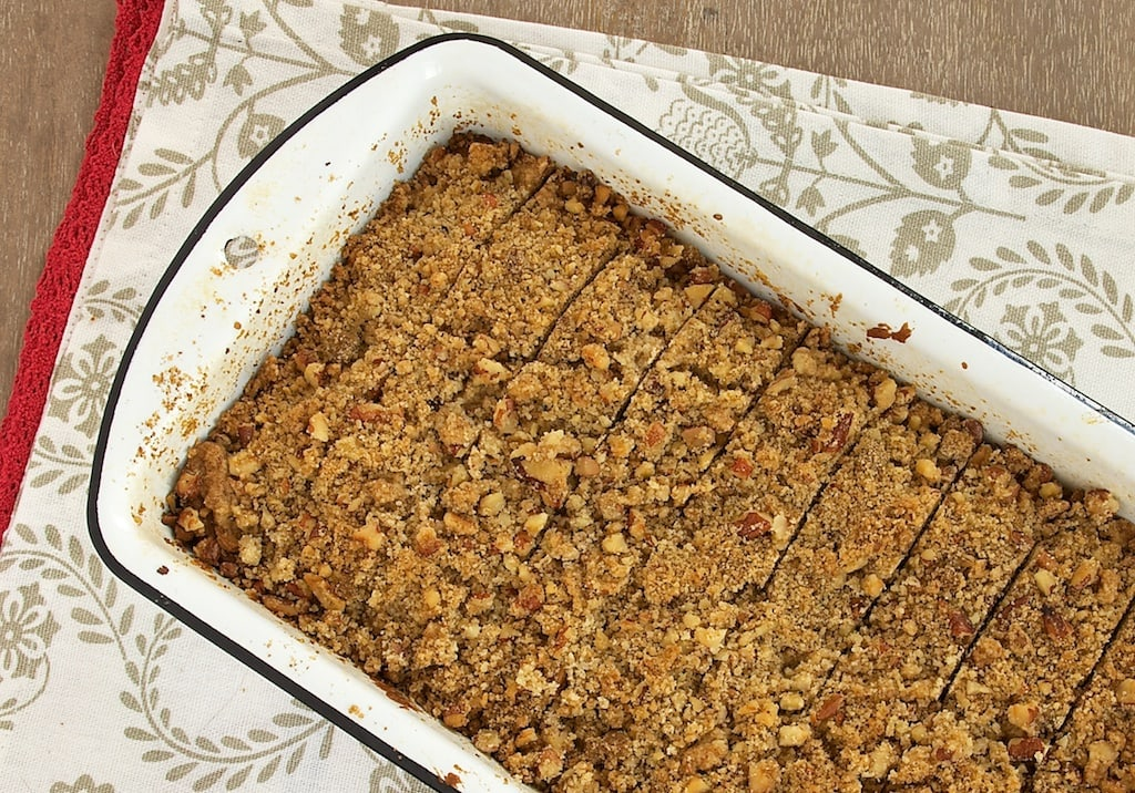 Berry-Pecan Streusel Bread combines sweet dried fruits with crunchy nuts for a delicious quick bread. Great for breakfast or for your coffee break!