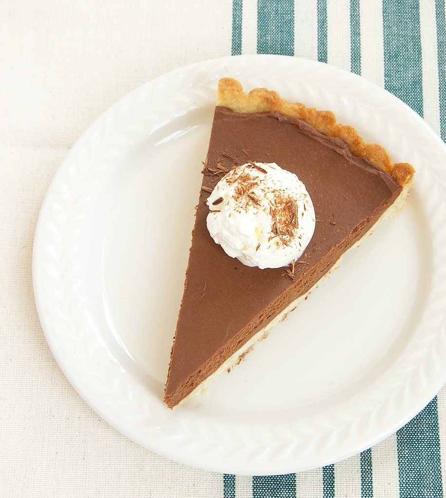 Chocolate Mascarpone Tart is a simple and delicious dessert that's absolutely lovely!