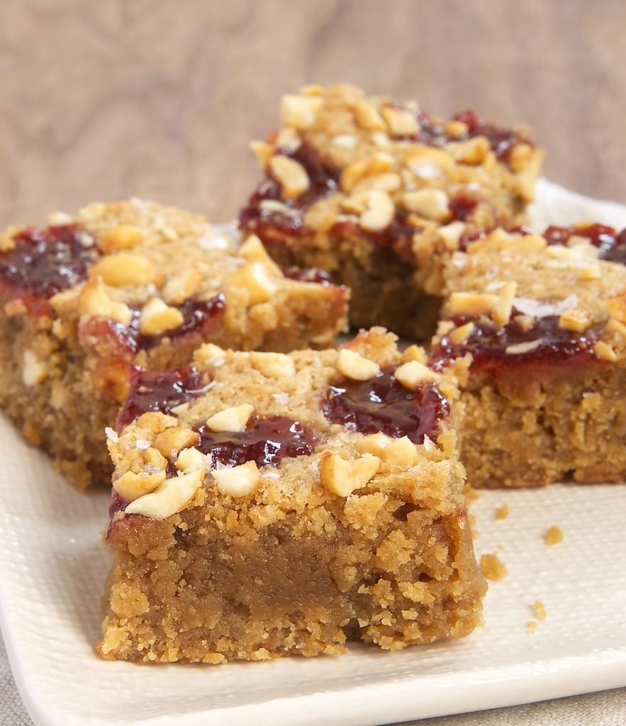 Love peanut butter and jelly? Try these sweet and salty blondies! - Bake or Break