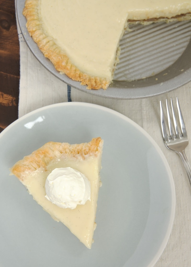 Praline Cream Pie is sweet, creamy, nutty, crunchy, and absolutely delicious! - Bake or Break