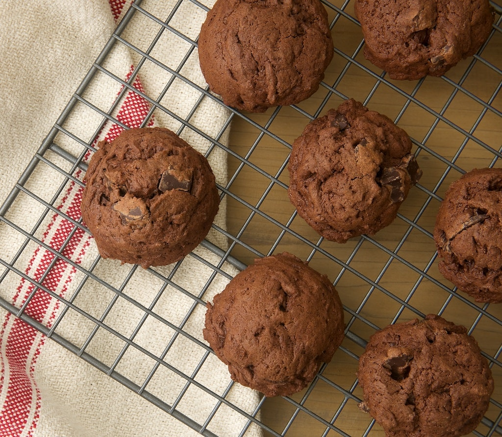 Fudgy Kahlua Brownie Cookies are made with two kinds of chocolate that are complemented perfectly with a coffee liqueur. Delicious! - Bake or Break
