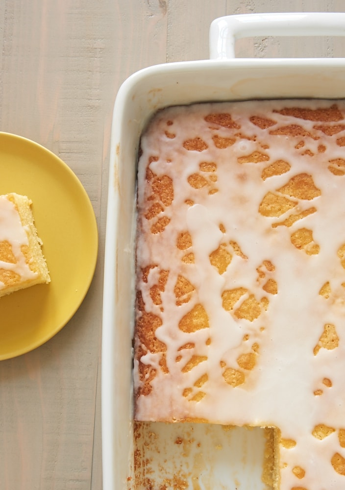 Want to know how to make lemon pound cake quick and easy? Make these Lemon Pound Cake Bars! - Bake or Break