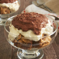 Bring new life to leftover blondies with these absolutely fantastic Blondie Pudding Trifles! - Bake or Break