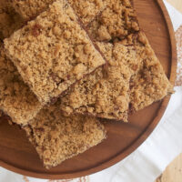 Cinnamon Crumb Brownies add big flavor to fudgy brownies with a simple cinnamon crumb topping. These are SO good! - Bake or Break