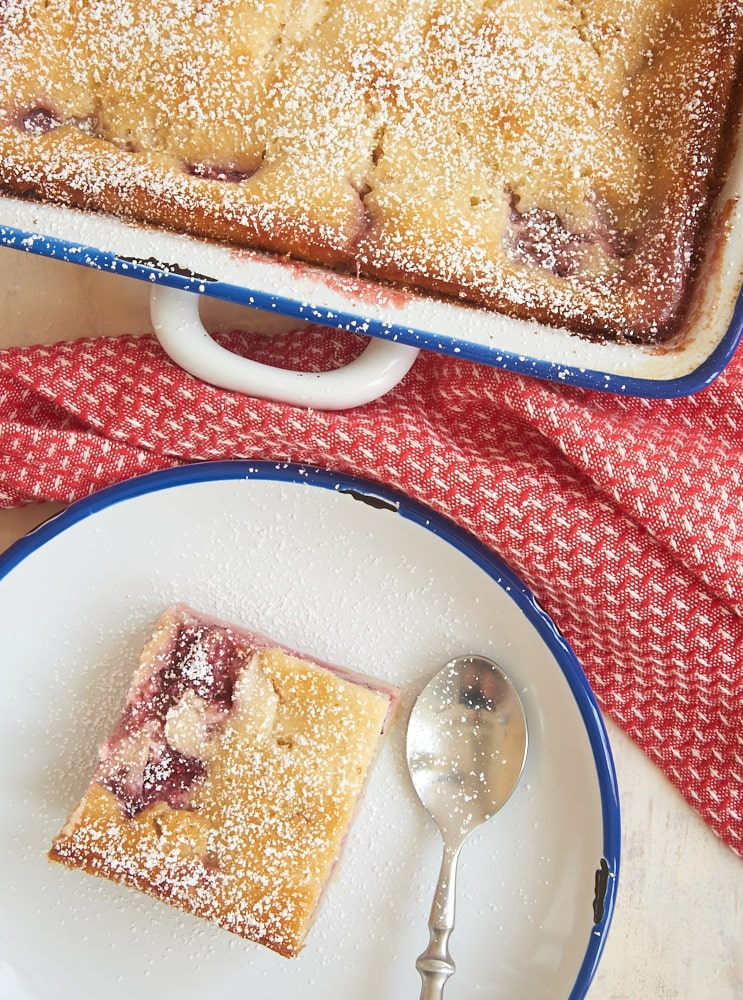 The great flavors of two classic desserts come together in this Strawberry Cheesecake Cobbler! - Bake or Break