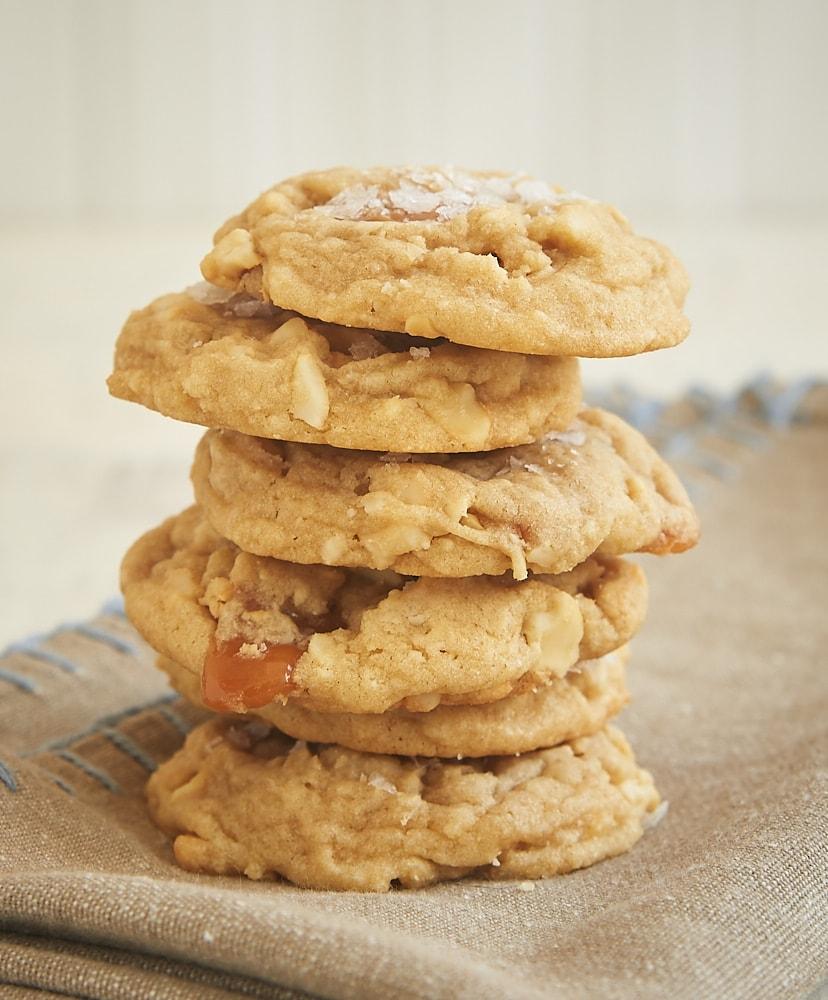 Salty Cashew Caramel Cookies