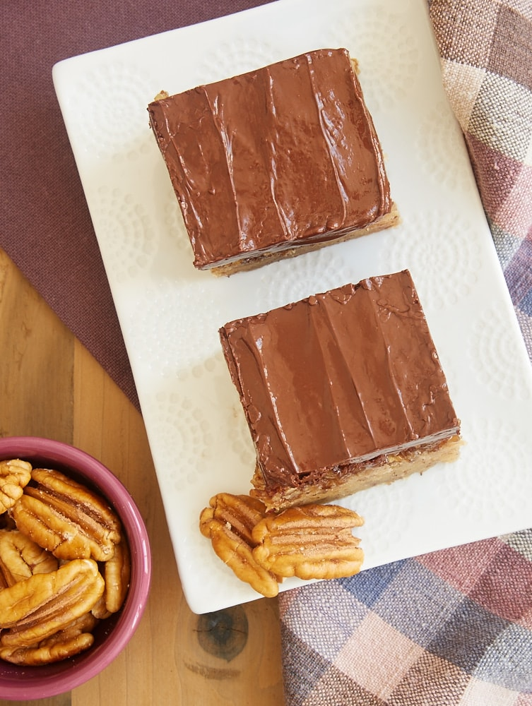 Pecan Sandies meet pecan pie in these fantastic Pecan Sandie Praline Bars! - Bake or Break