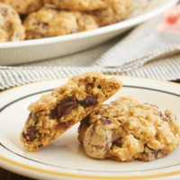 Brown Sugar Oatmeal Chocolate Chip Cookies are one of my favorite cookies. All that sweet brown sugar and those chewy oats make these perfectly soft, chewy, and delicious! - Bake or Break