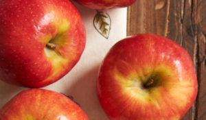 Find your favorite baking apple and put it to delicious use with some great apple recipes! - Bake or Break