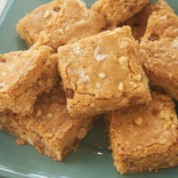 Caramel Peanut Blondies